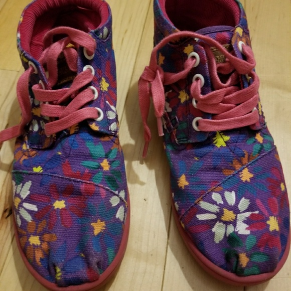 Toms Other - Tom's flower sneakers